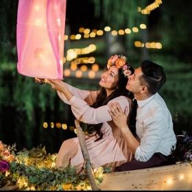 Ce couple a recréé la scène des lanternes de Raiponce, et c'est vraiment trop mignon
