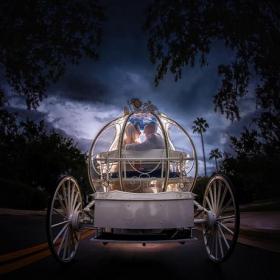 Vous pouvez maintenant vous marier à Disneyland en soirée et avoir tout le parc pour vous tout seuls (et vos invités)