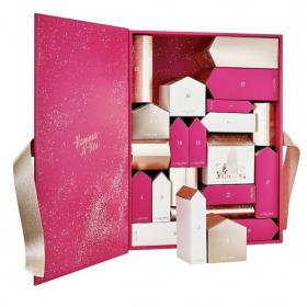 Le calendrier de l'Avent Lancôme contient 2 parfums mythiques ainsi que les best-sellers soin et maquillage