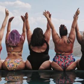 Ces influenceuses posent en maillot de bain pour montrer leur cellulite et leurs cicatrices — et ça fait beaucoup de bien