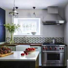 Comment arrêter de détester votre petite cuisine