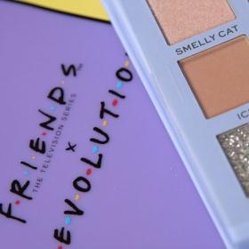 Pourquoi vous allez craquer pour la collection de maquillage Revolution x Friends