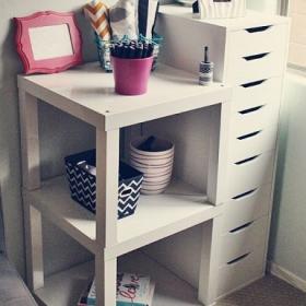 Cette table Ikea coûte moins de 10€, mais regardez tout ce que vous pouvez faire avec !