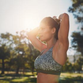 L'exercice parfait pour muscler ses bras (et éviter la peau qui pendouille)