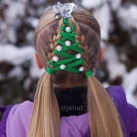 Les 15 coiffures de Noël les plus créatives