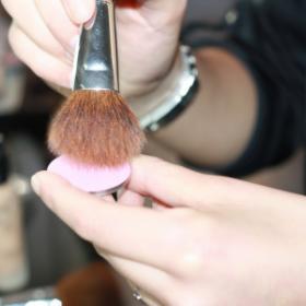 Tuto maquillage : les 7 étapes à respecter pour un teint naturel