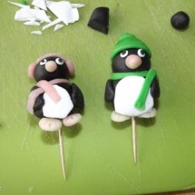 Mes débuts en pâte à sucre : les pingouins
