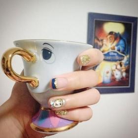 14 idées de nail arts La Belle et La Bête