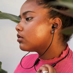 On a testé les écouteurs Beats Flex sans fil pour un son puissant et jusqu'à 12h d'écoute