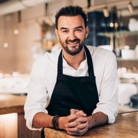 L'émission Tous en cuisine avec Cyril Lignac est de nouveau prolongée sur M6
