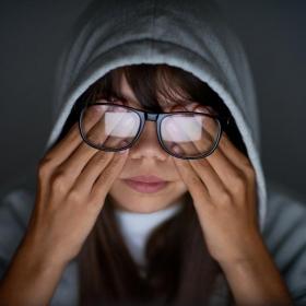 Voilà pourquoi 7 personnes sur 10 ont mal aux yeux à la fin d'une journée de travail