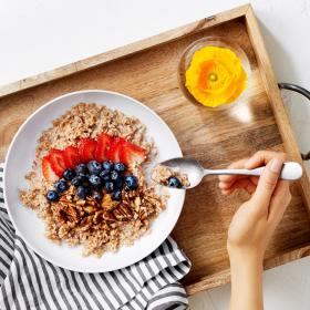 Voilà à quelle heure manger son petit-déjeuner et son dîner pour maigrir plus vite