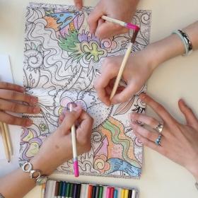 1 Français sur 2 utilise des livres de coloriage au bureau pour améliorer sa productivité