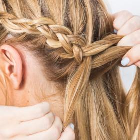 La coiffure tressée parfaite et stylée pour les indécises