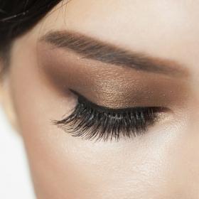 8 astuces maquillage pour avoir un beau regard