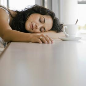 10 mauvaises habitudes qui vous fatiguent et que vous devriez perdre au plus vite