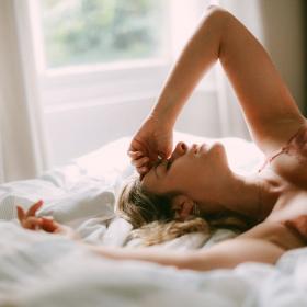 La moitié des Français pensent à leur ex en se masturbant