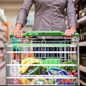 8 erreurs qu'on fait tous quand on fait les courses (et comment les éviter pour optimiser son budget)