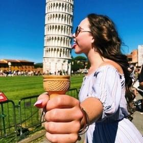 Les 13 meilleures photos de touristes qui posent devant la Tour de Pise