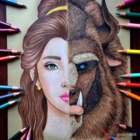 Elle mêle 2 visages de personnages Disney en 1 seul grâce aux crayons de couleur