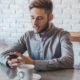 Êtes-vous un phubber totalement accro à votre smartphone au point d'en devenir impoli ?