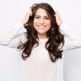 Cheveux blancs : 6 astuces pour les éviter !