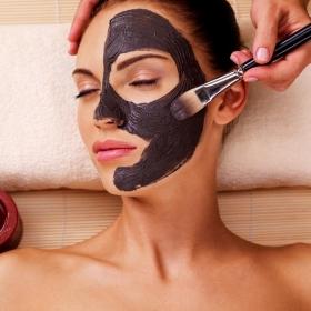 Tout savoir sur les soins au charbon pour une belle peau