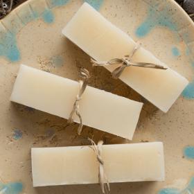 La recette parfaite pour faire son shampoing solide naturel soi-même