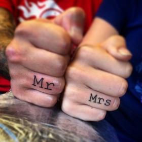 Ces 23 couples ont laissé tomber l'alliance et ont à la place choisi de se faire tatouer