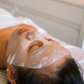 3 recettes naturelles pour faire son masque tissu maison soi-même et avoir une belle peau
