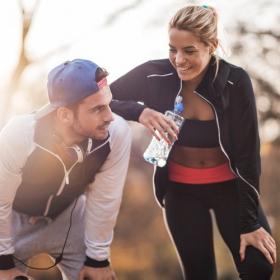 11 activités physiques que vous pouvez faire en couple pour rester actifs