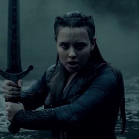 Netflix vient de dévoiler une nouvelle bande-annonce de Cursed : La rebelle