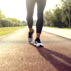 Voilà combien de fois par semaine vous devez marcher pour commencer à maigrir