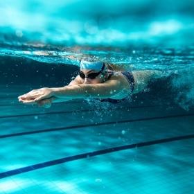 Comment la natation modifie votre cerveau et améliore votre santé mentale