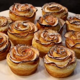 La recette de roses feuilletées aux pommes pour un dessert joli et gourmand
