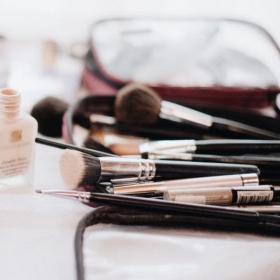5 conseils pour trier ses produits de beauté et savoir quand jeter ceux qui sont périmés