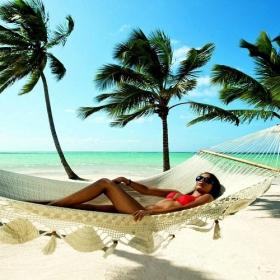 Un PDG qui a offert 1800€ à chacun de ses employés pour partir en vacances affirme qu'ils n'ont jamais été aussi productifs