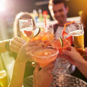 Les 3 alcools qui donnent le plus de boutons d'acné