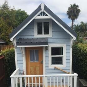 Cette maison ne fait que 18m², mais vous ne croirez jamais tout ce qu'on y trouve à l'intérieur