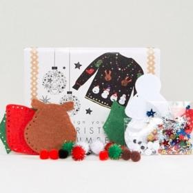 Avis aux créatives : ce kit DIY permet de créer son propre pull de Noël soi-même !