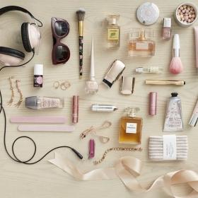6 soins à emporter absolument dans votre valise cet été