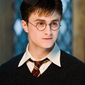 """Spotify met gratuitement à disposition """"Harry Potter à l'école des sorciers"""" en version audio lu par Daniel Radcliffe"""