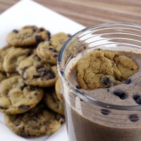 La recette du smoothie cookie pour un petit-déjeuner gourmand et chocolaté