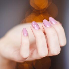3 huiles essentielles pour prendre soin de ses ongles
