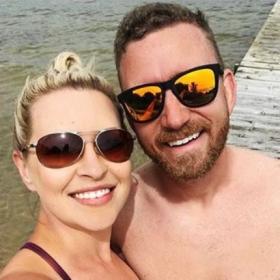 Ce couple a perdu plus de 85 kilos à eux deux — voilà comment ils gardent la ligne quand ils sont en vacances