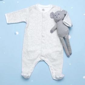 Le bodyjama, la nouvelle invention géniale qui va faire gagner du temps aux parents tous les jours !
