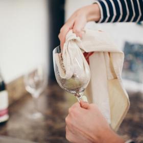 Comment nettoyer les verres pour qu'ils soient parfaitement propres ?