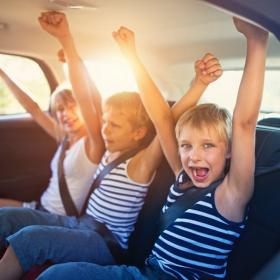 12 idées pour occuper les enfants dans la voiture