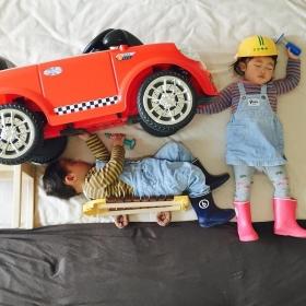 Ces jumeaux n'ont aucune idée des aventures incroyables qu'ils vivent quand ils dorment