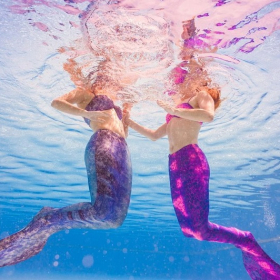 Les cours de nage de sirène débarquent en France, ou comment apprendre à nager avec grâce